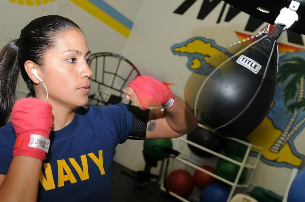 Selbstverteidigung Frauen Kickboxen Boxen